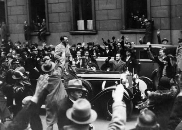 Berlinci slave imenovanje Hitlera za kancelara, Wilhelmstraße.