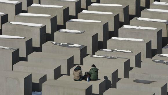 Spomenik holokaustu u Berlinu, foto: AP