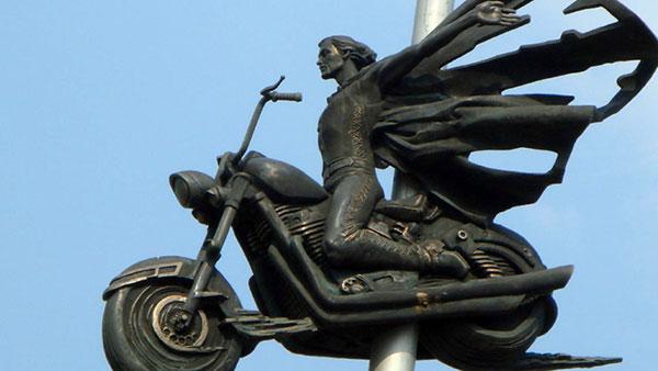 """The """"Dead Biker"""" Monument"""