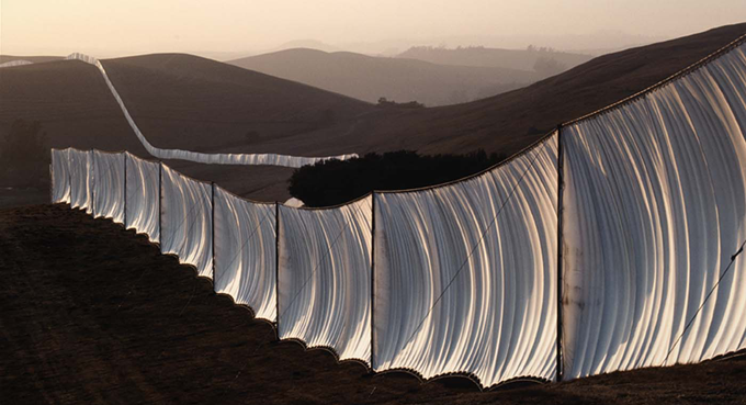 Christo and Jeanne-Claude, Running Fence, Sonoma and Marin Counties, California http://bit.ly/1zcoE1Q