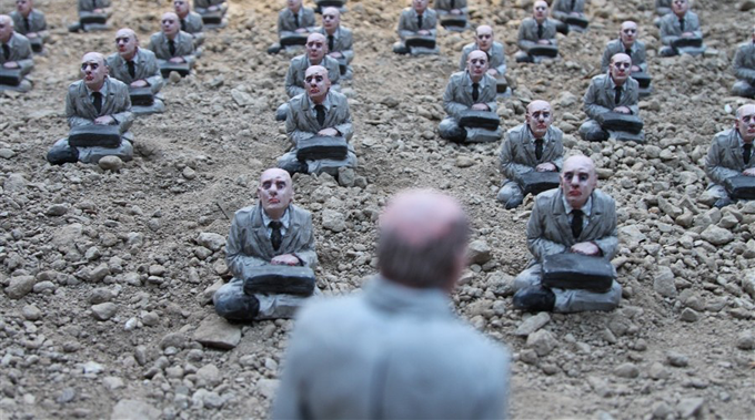 Isaac Cordal's Miniature City in Ruins Installation in Nantes, France http://bit.ly/OAHugi