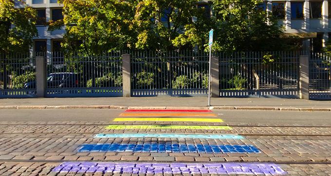 Russian Embassy in Helsinki, LGBT pavement