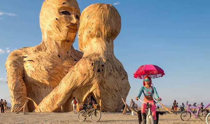 Embrace, Burning man 2014, foto: Eric Zumstein