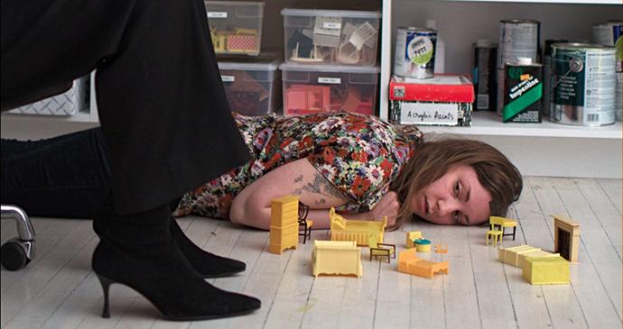 Lena Dunham, Tiny furniture http://goo.gl/ASyYZ2
