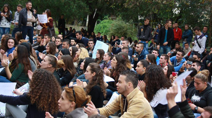 Foto: Për Universitetin http://goo.gl/qoxjEO