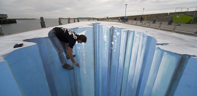 The mind bending 3D street art, Edgar Mueller http://goo.gl/J8eMFv