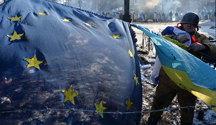 Majdan, Kijev, februar 2014, foto © Belga, AFP, Sergei Supinsky http://goo.gl/Y1Qgm0