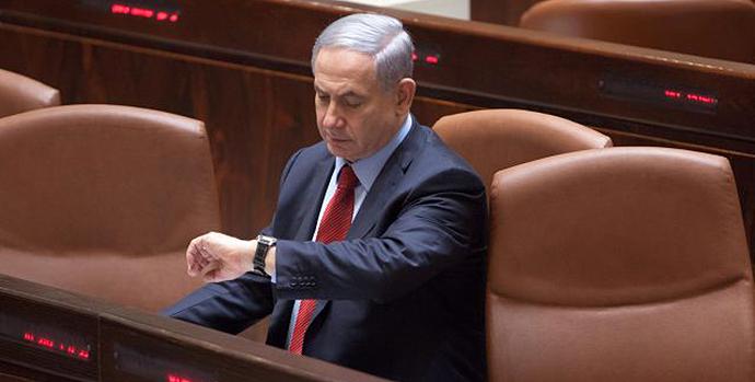 Netanjahu u Knesetu, decembar 2014, foto: Emil Salman http://goo.gl/ZfBJOA