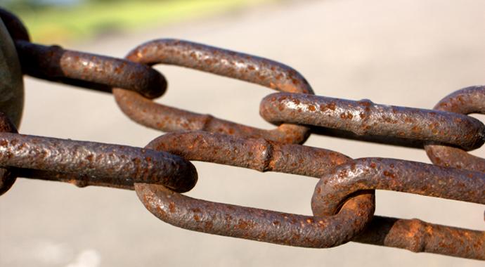 Rusted chain, foto: fujikumo, Wikimedia Commons