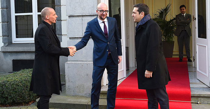 Belgijski premijer dočekuje grčke predstavnike u Briselu, foto: Emmanuel Dunand / AFP / Getty
