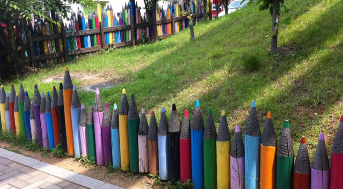 Fence of pencils, Design & DIY Magazine