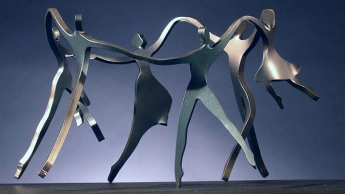 Dancing family, steel sculpture, Boris Kramer