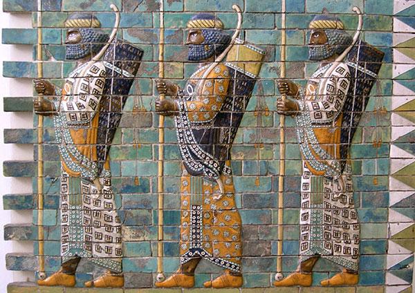 Takmičenje iz streljaštva, glazirana cigla, 500. pne, Susa, Persija