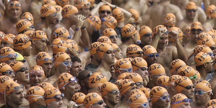 Takmičari za plivanje na otvorenom moru, foto: AP, Ricardo Moraes
