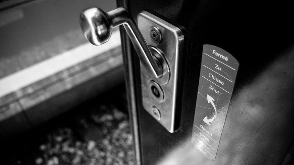 Otvori vrata, sebastienchenal