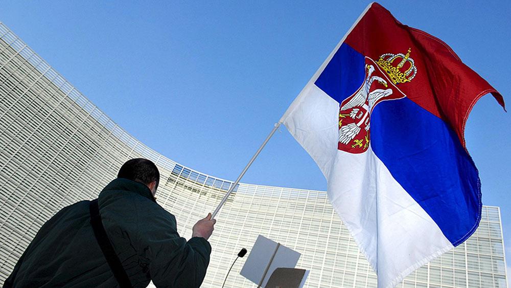 Ispred sedišta EU u Briselu, foto: Olivier Papegnies/EPA