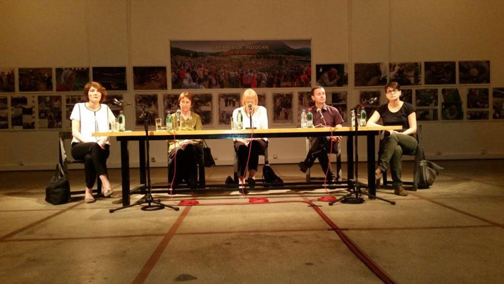 Izabela Kisić, Mirjana Miočinović, Sonja Biserko, Milivoj Bešlin i Sandra Orlović, foto: Iva Martinović