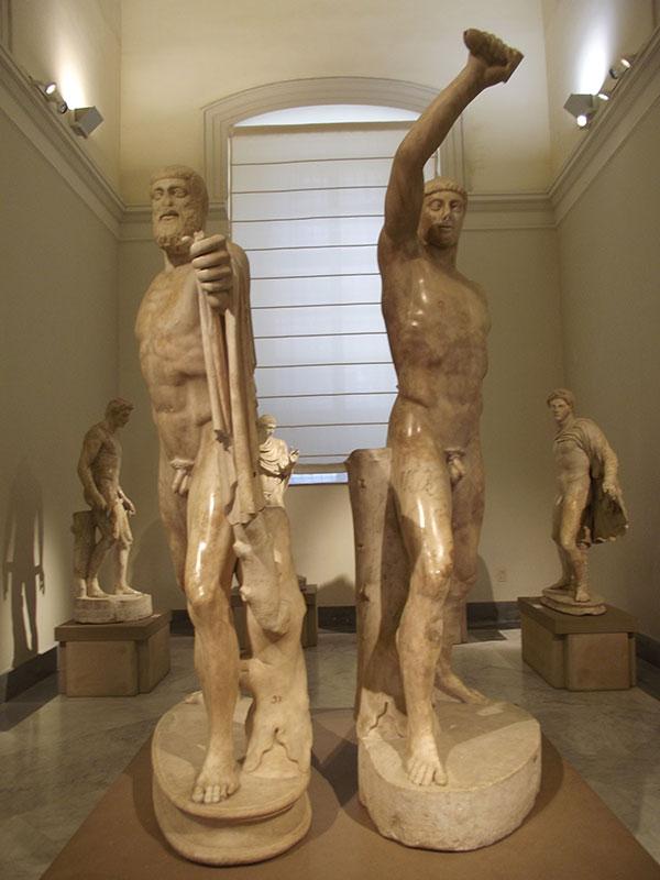 """Nacionalni arheološki muzej u Napulju, grupa """"Tiranocida"""", Harmodij i Aristogeiton, Wikipedia"""