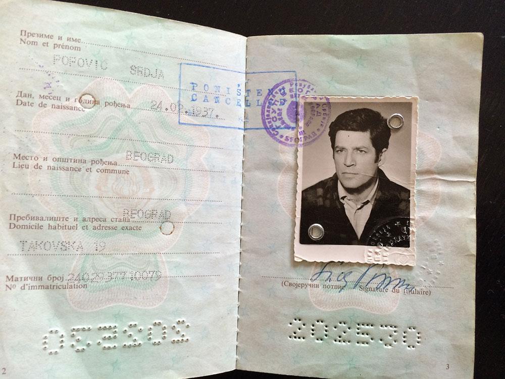 Srđa Popović (1937-2013), poništen jugoslovenski pasoš