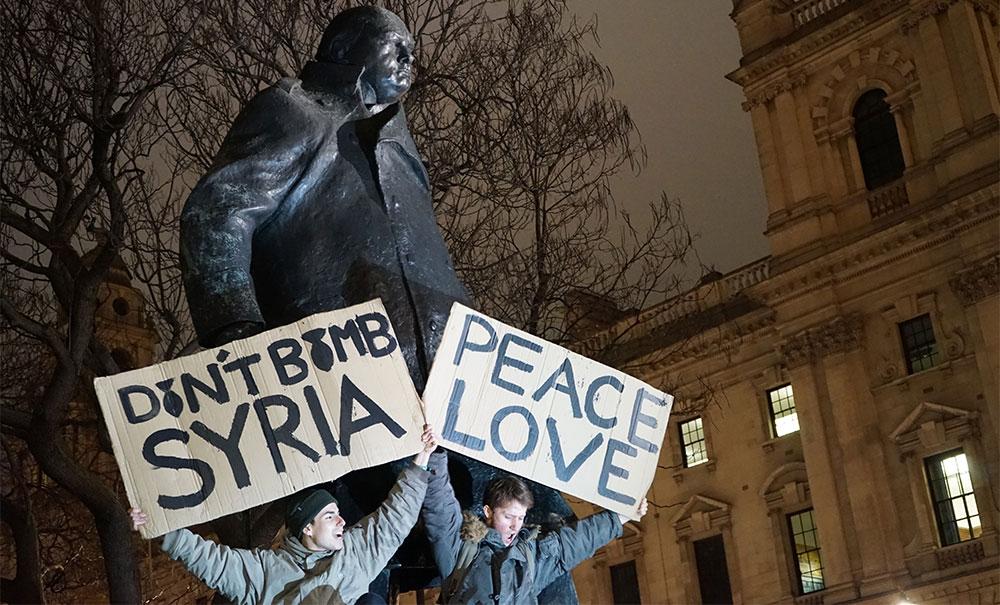 Antiratni protesti u Londonu, Parliament Square, Stop the War Coalition, 1.12.2015, fotografije čitateljki, Neda Radulović-Viswanatha