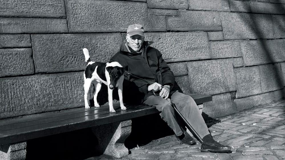 Roger Angell i Andy, Central Park, januar 2014, foto: Brigitte Lacombe