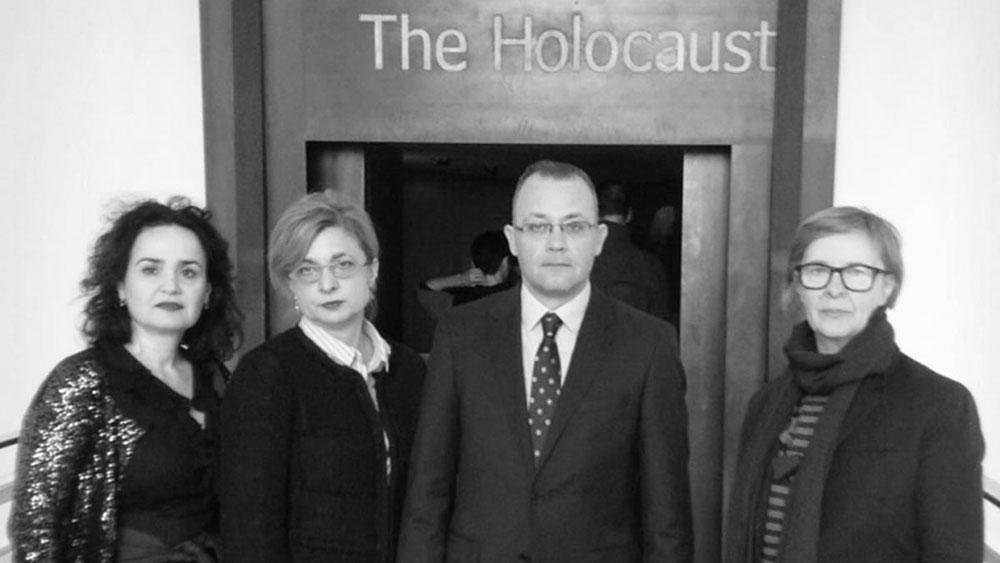 Groteskni posjet ministra kulture londonskome Imperial War Museumu, Novosti