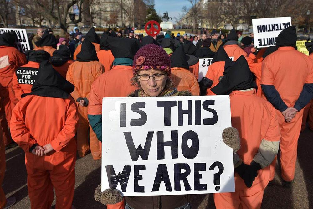 """""""Da li smo ovo mi"""", protesti ispred Bele kuće, NBC News"""