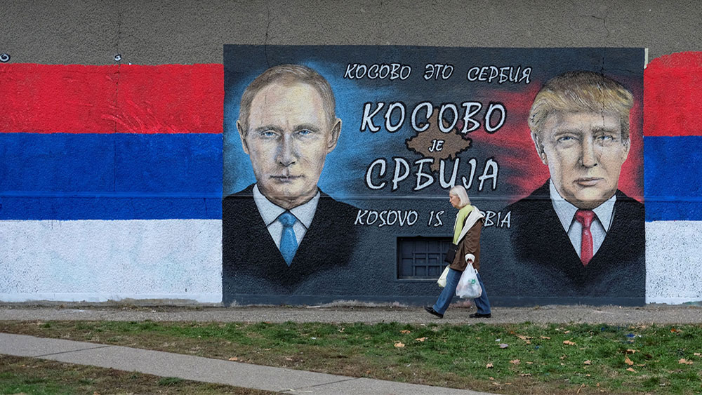 A mural of Putin and Trump, Belgrade, December 2016, photo: Marko Djuric/Reuters