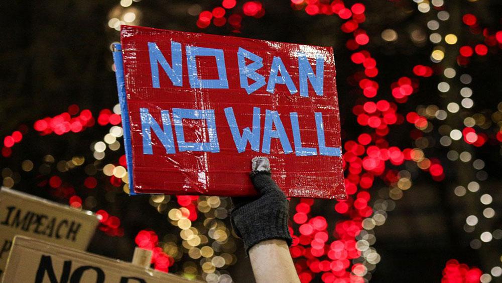 Transparent iz Sijetla: No Ban, No Wall