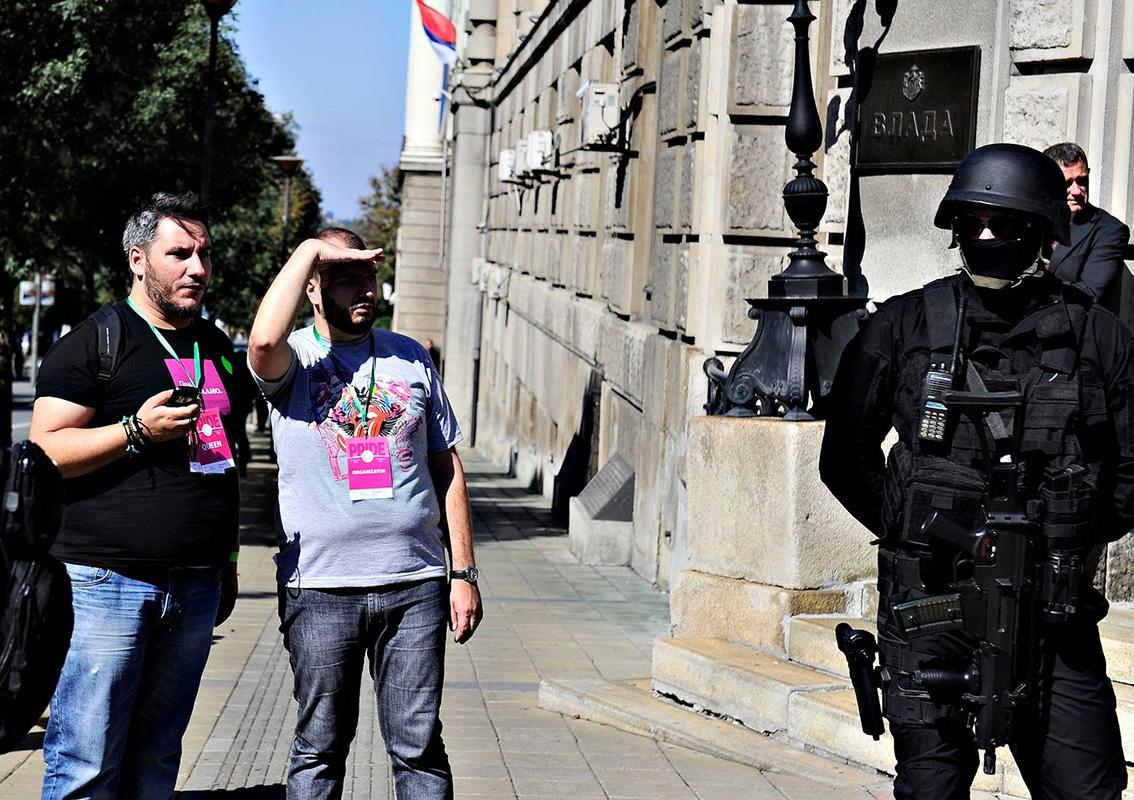 Adam, Boban i policajac