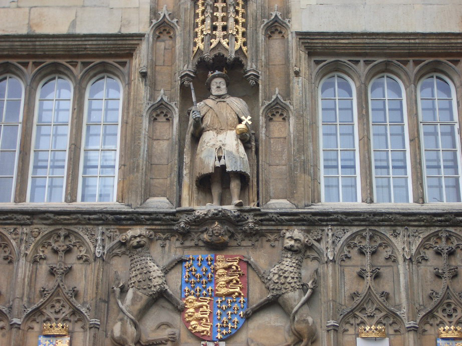 Henry VIII sa nogom od stola umesto mača, Trinity College, Cambridge, foto: Pinterest