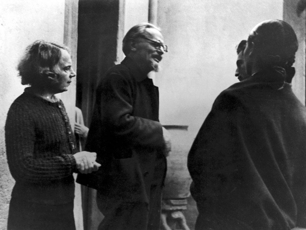 Natalia Sedova, Leon Trotsky, Raya Dunayevskaya i Frida Kahlo u Meksiku 1937, foto: NS