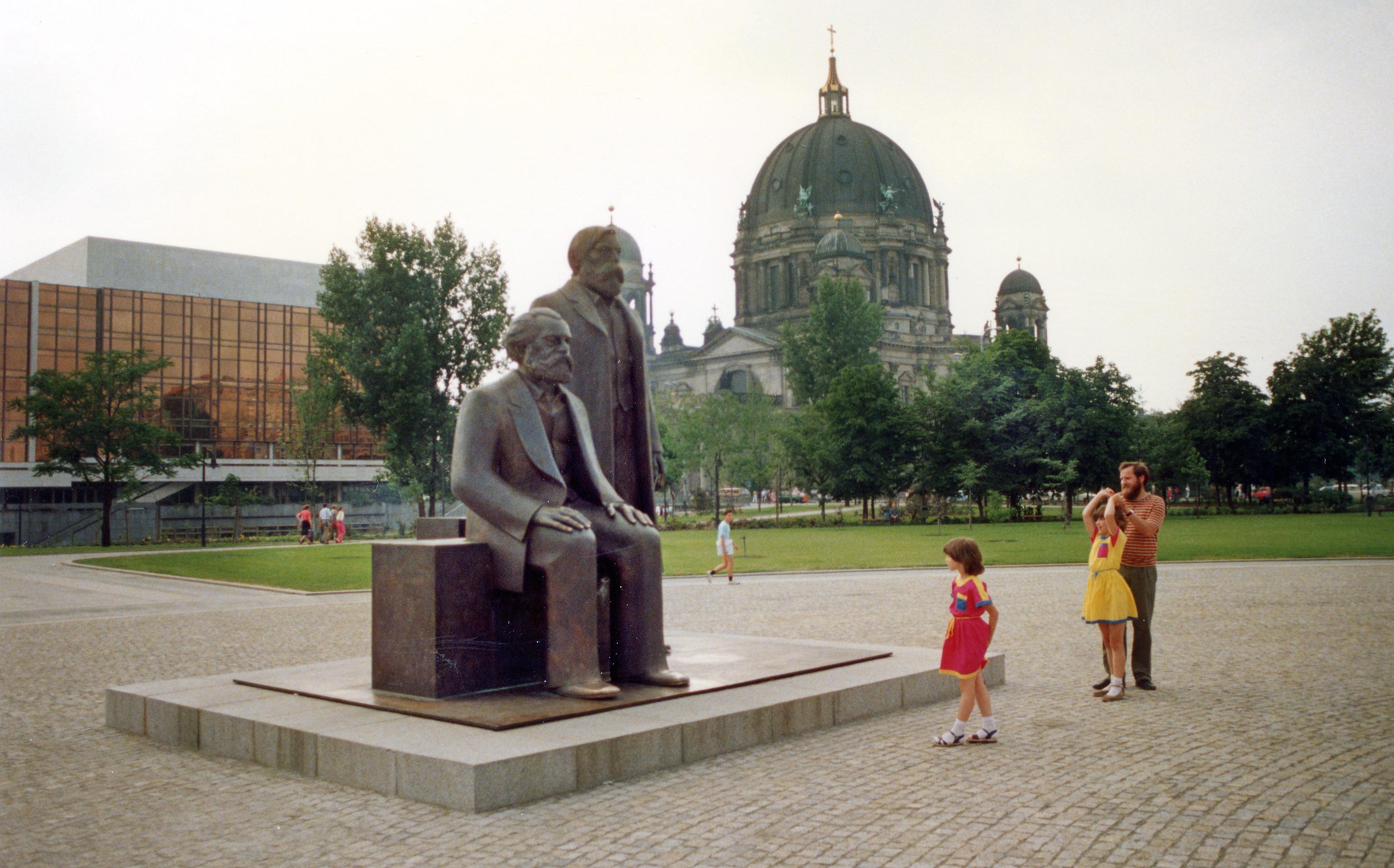 Trg Marksa i Engelsa u Berlinu 1986.