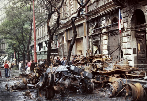 Prag, 29.08.1968, posledice nasilja na ulicama