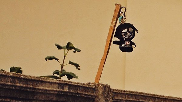 lutkica Dart Vejdera na drvenom štapu