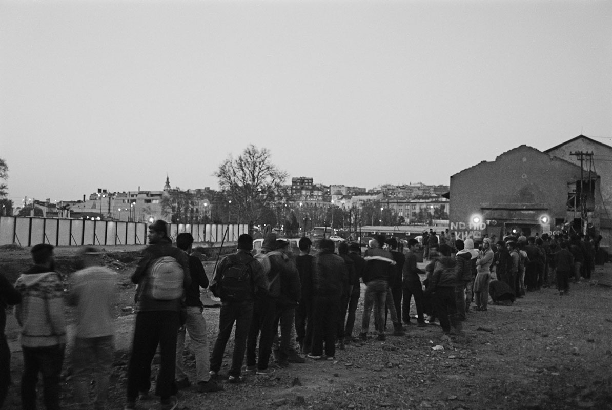 Red za obrok; migrantski skvot, Beograd 2017.