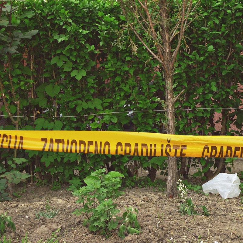 žuta traka na kojoj piše zatvoreno gradilište