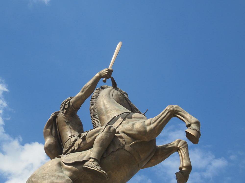 Spomenik u Skoplju: Aleksandar Makedonski na konju