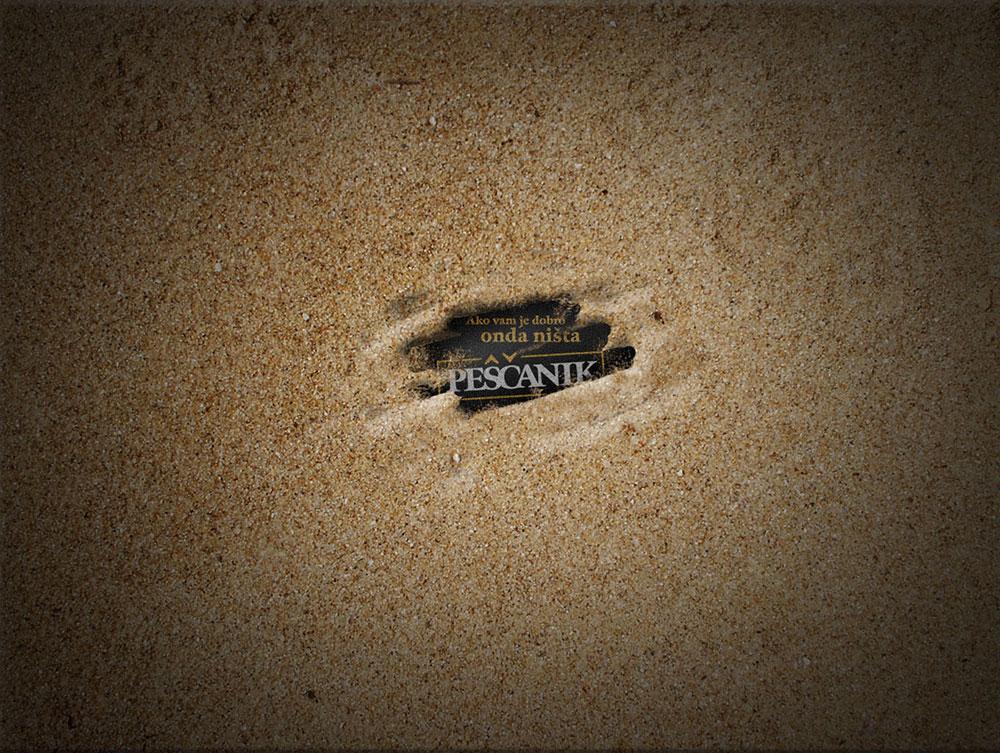 Logo Peščanika u pesku