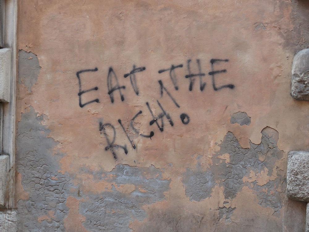 Natpis na zidu: Eat the rich! (Pojedite bogate!), Bolonja