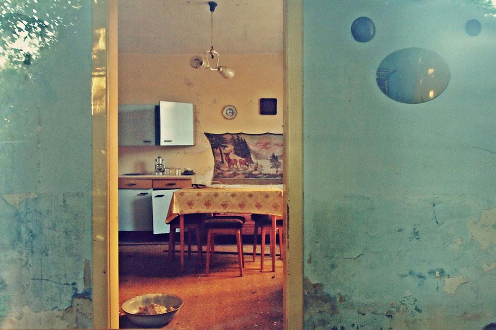 pogled na jednu staru kuhinju