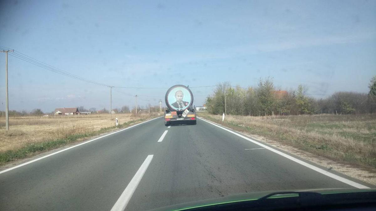 Kamion sa likom Putina, okolina Obrenovca