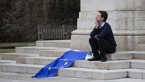 čovek i zastava EU