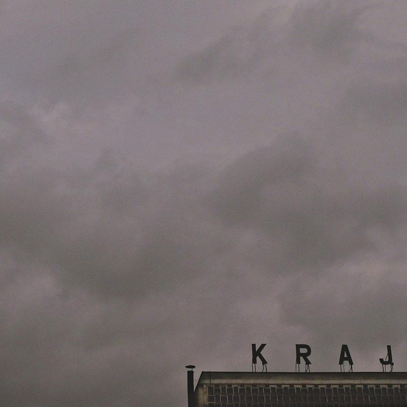 Reklama Kraj na vrhu zgrade