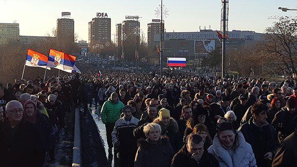 kolona učesnika mitinga podrške Putinu, 17.01.2019.
