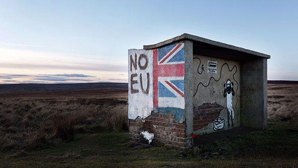 autobusko stajalište u nedođiji na kome piše No EU
