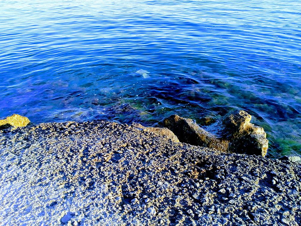 ulaz u more sa stene