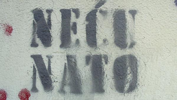 grafit Neću NATO