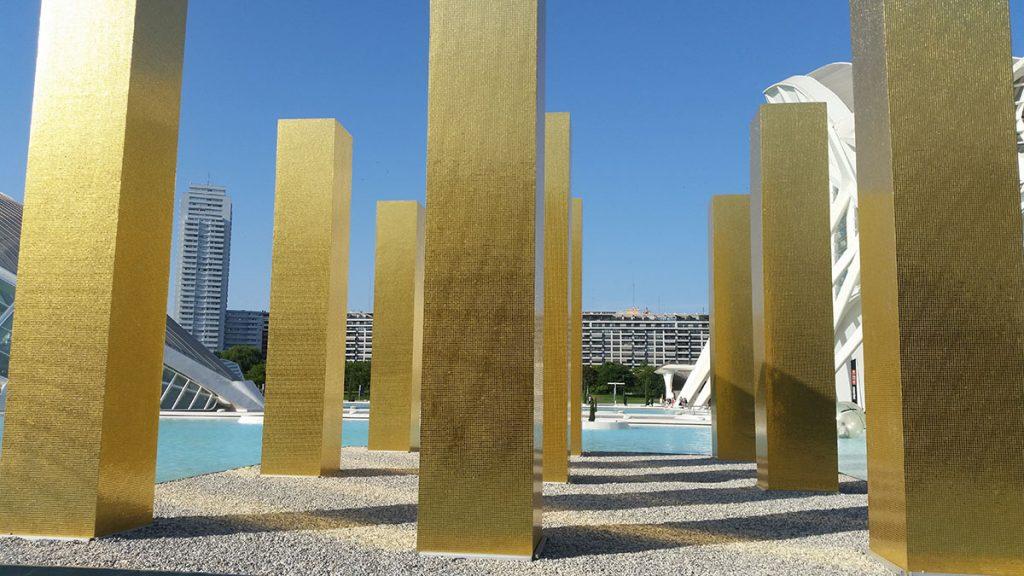 Heinz Mack: Nebo iznad 9 stubova u Kalatravinom kompleksu u Valensiji
