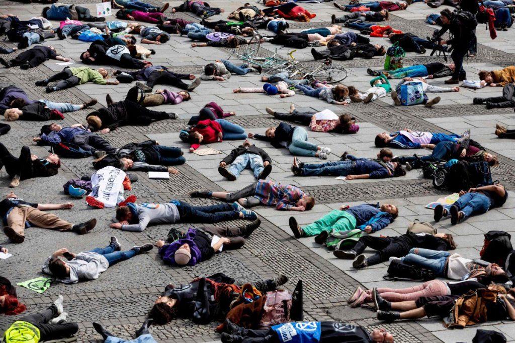 Extinction Rebellion, die-in u Berlinu 27. aprila, foto: AFP